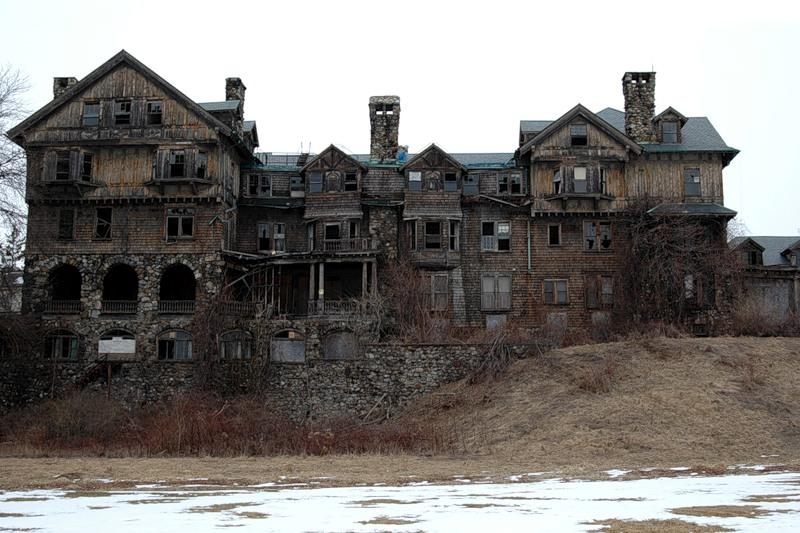 Фото ужасных домов